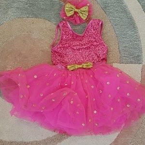 Weissman costume dress with hair clip